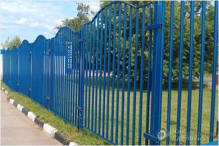 Все просто —  Как сделать забор из профильной трубы  || STROIM-GRAMOTNO.RU