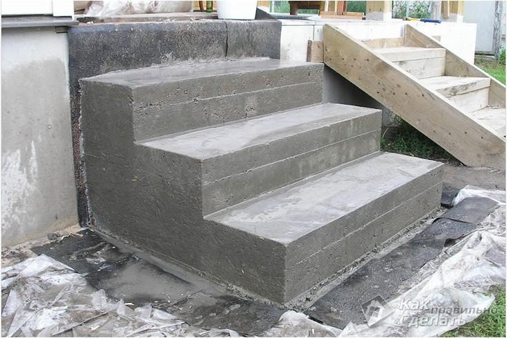 Все просто —  Крыльцо из бетона своими руками  || STROIM-GRAMOTNO.RU